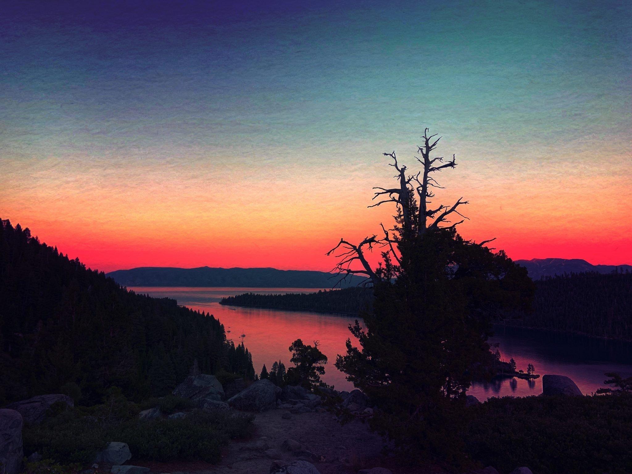 An image of Lake Tahoe at sunset.
